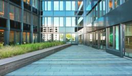 STrauma Landschaftsarchitektur Berlin landscape architects Mercedes Benz Berlin Innenhof