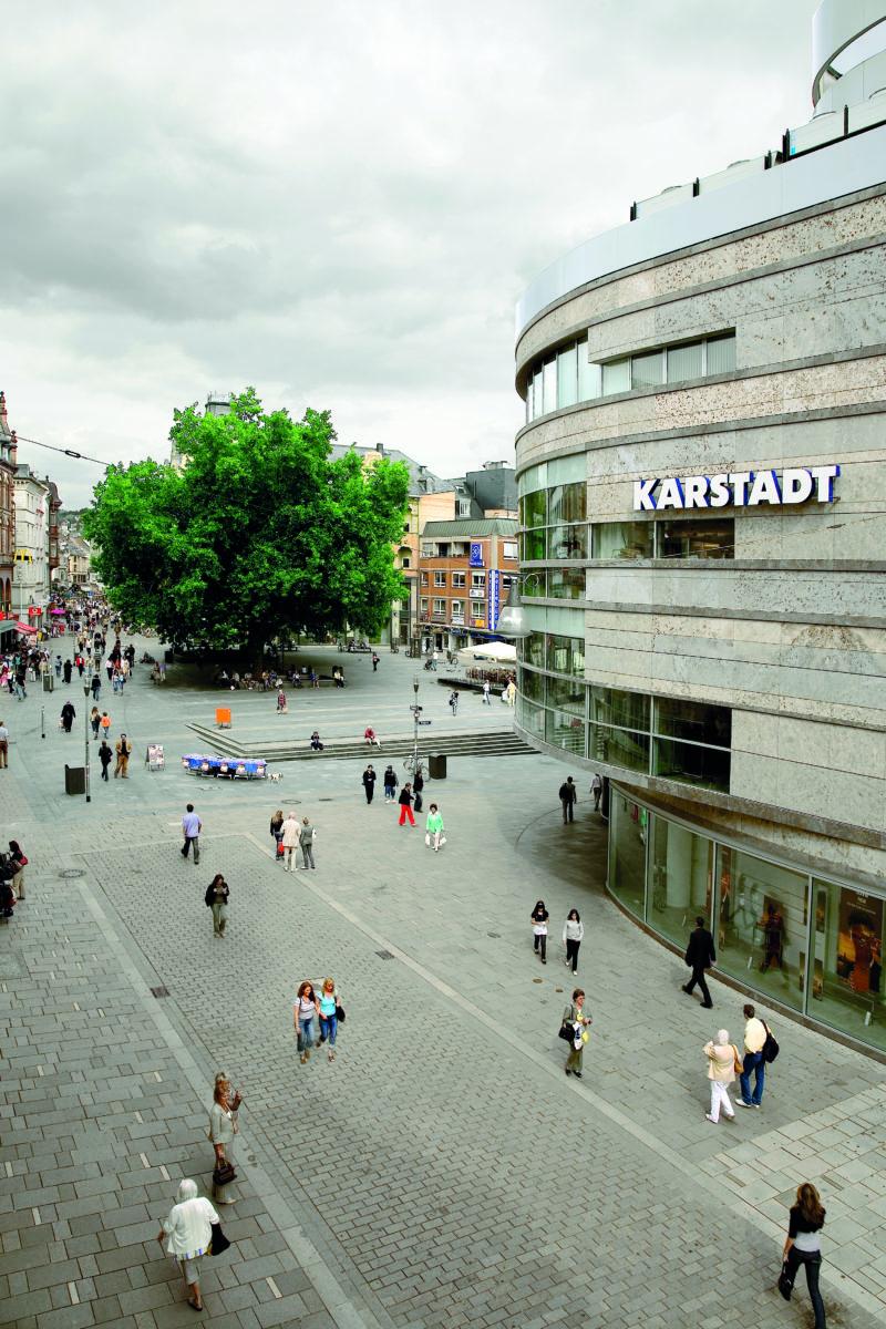 STrauma Landschaftsarchitektur Berlin landscape architects Fußgängerzone Wiesbaden Pedestrians