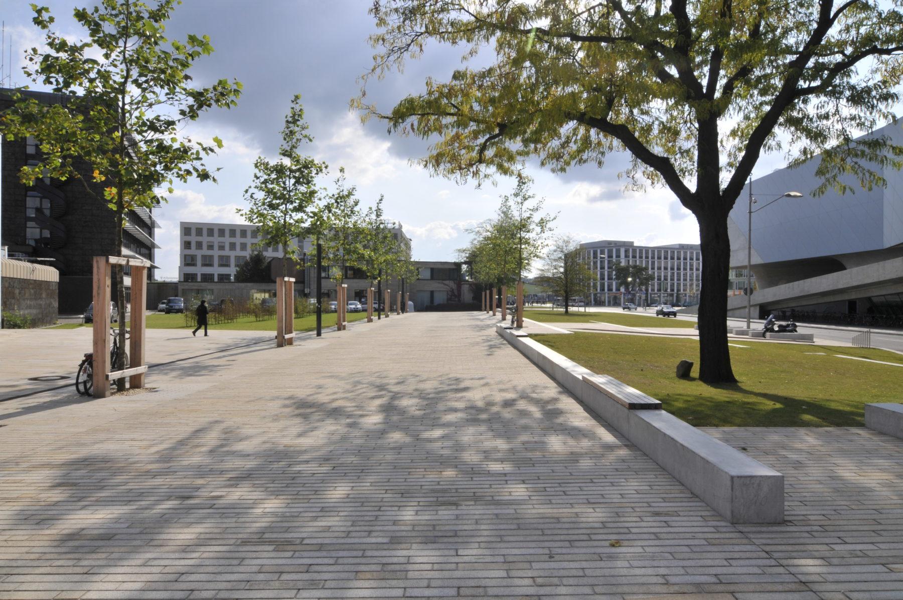 STrauma Landschaftsarchitektur Berlin landscape architects Fußgängerzone Wolfsburg Allee