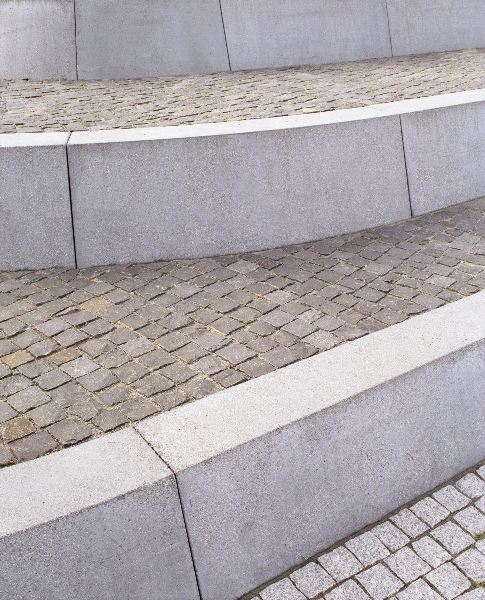 STrauma Landschaftsarchitektur Berlin landscape architects Rathausplatz Hennigsdorf Stufen