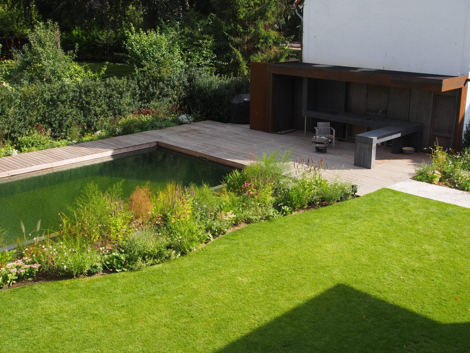 STrauma Landschaftsarchitektur Berlin landscape architects Hausgarten Grunewald mit Holzterrasse