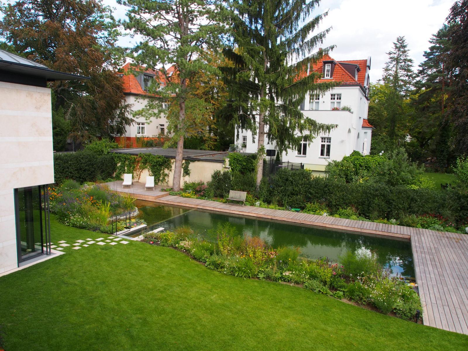 STrauma Landschaftsarchitektur Berlin landscape architects Hausgarten Grunewald Badeteich und Rasen