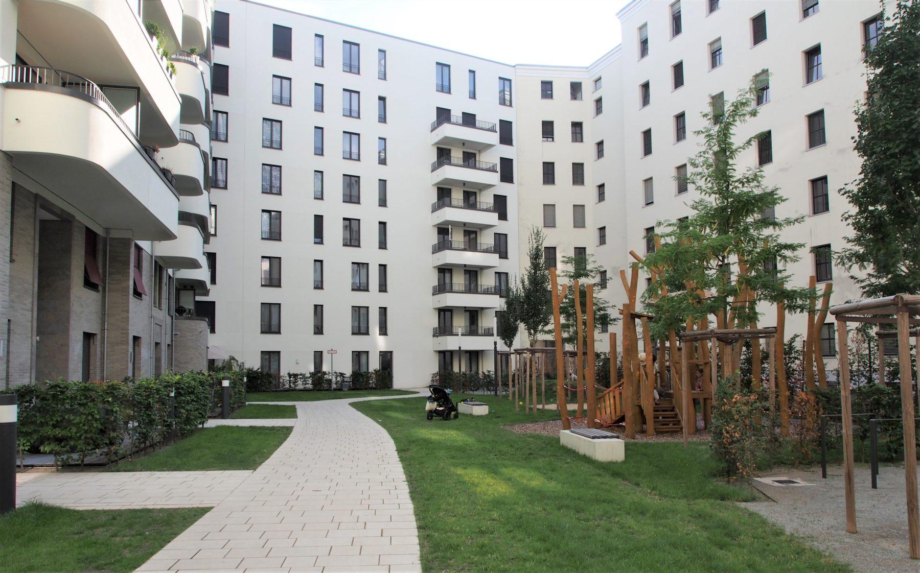 STrauma Landschaftsarchitektur Berlin landscape architects Beuthstrasse Berlin Spielplatz