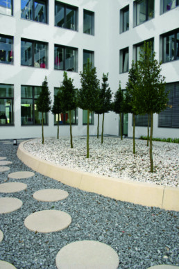 STrauma Landschaftsarchitektur Berlin landscape architects C&A Zentrale Düsseldorf Gartenelemente
