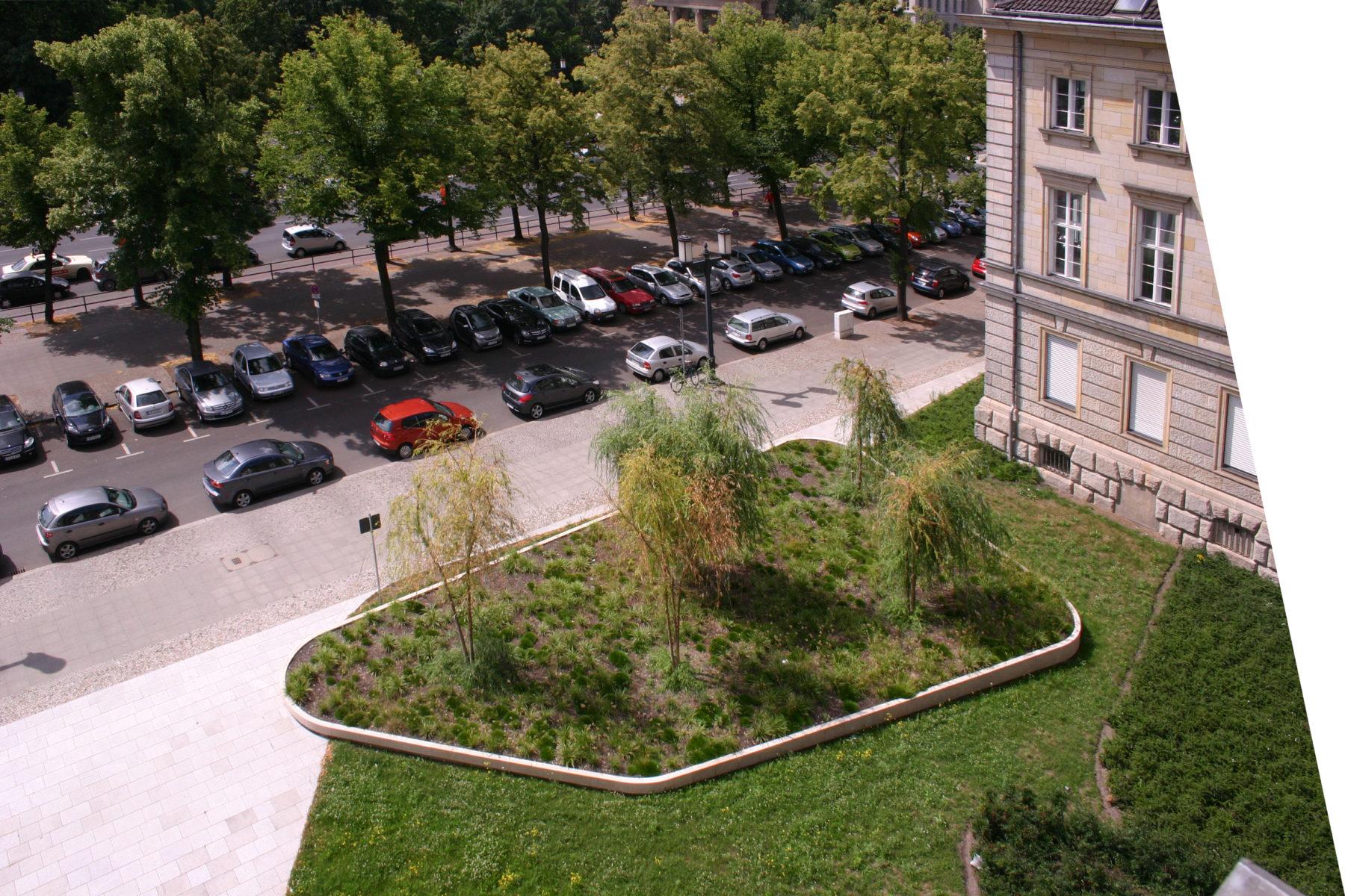 STrauma Landschaftsarchitektur Berlin landscape architects Ernst Reuter Haus Berlin Park Gartenelement